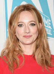 Judy Greer styled her hair with a center part and piecey waves for the 20th Century Fox party at Comic-Con.