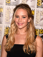 Jennifer Lawrence went boho with this wavy half-up style for Comic-Con.