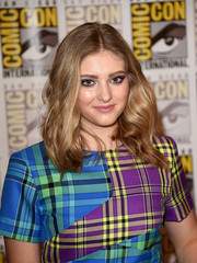 Willow Shields looked pretty with her center-parted waves during Comic-Con.