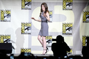 Anna Kendrick put her slim physique on display in a gray zip-front bandage dress by Christopher Kane during Comic-Con International 2016.