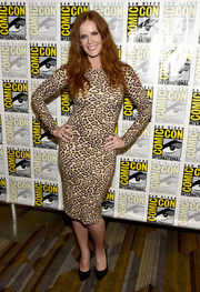 Rebecca Mader showed off her shape in a skintight leopard-print dress during Comic-Con International 2016.