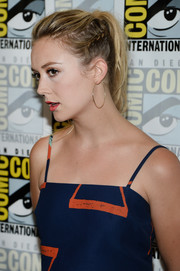 Billie Lourd pulled her hair back into a partially braided ponytail for Comic-Con International 2016.