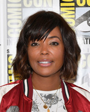 Aisha Tyler framed her face with a sweet wavy bob for the 'Archer' press line during Comic-Con International 2017.