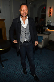 Cuba Gooding Jr. stuck to classic-fit blue jeans for his relaxed but still classy evening look.