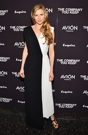 Brit Marling chose to jump on the black-and-white bandwagon when she opted for this simple but elegant two-toned gown.