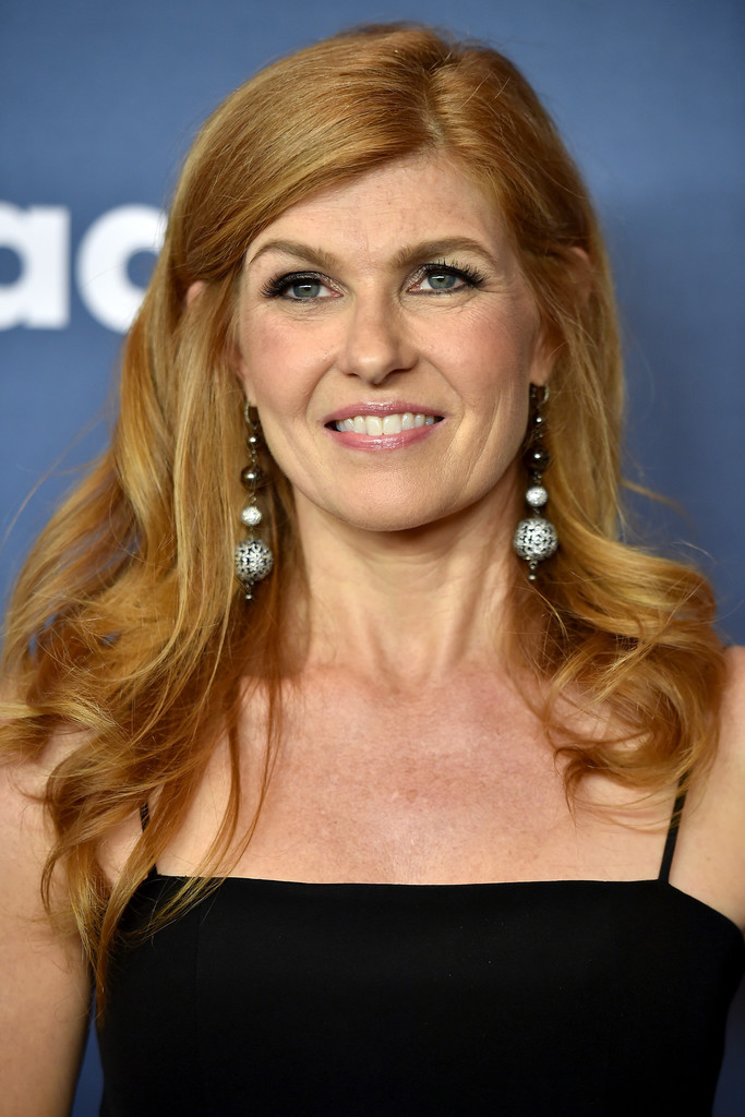 Connie Britton Long Curls Connie Britton Looks Stylebistro