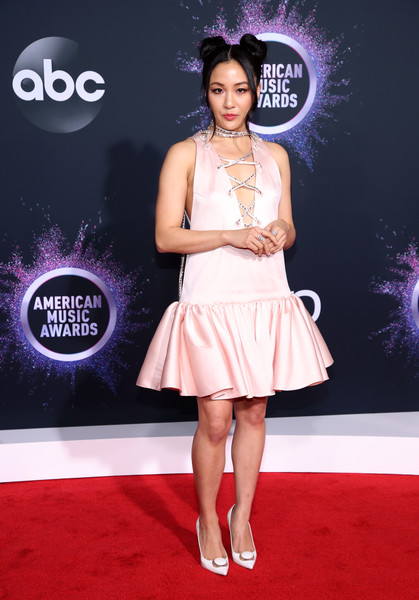 Constance Wu Cocktail Dress [red carpet,clothing,carpet,dress,fashion,flooring,cocktail dress,premiere,fashion model,shoulder,arrivals,constance wu,american music awards,microsoft theater,los angeles,california]