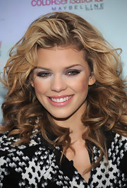 Annalynne' s beautiful curls look stunning and her added low-lights gave the stars hair some added dimension.
