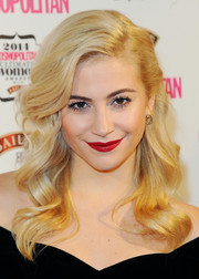 For her lips, Pixie Lott chose a rich red hue.