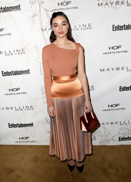 Crystal Reed Fur Purse [clothing,dress,shoulder,fashion,cocktail dress,footwear,waist,fashion model,fashion design,carpet,nominees,crystal reed,screen actors guild awards,california,los angeles,chateau marmont,new york,entertainment weekly hosts celebration,maybelline,nominees celebration]