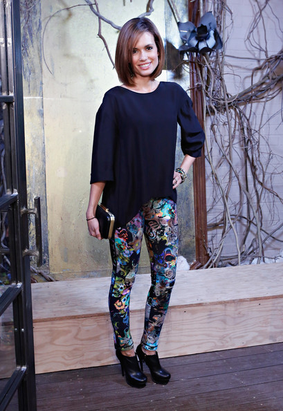 More Pics of Torrey Devitto Skinny Pants (2 of 10) - Pants & Shorts Lookbook - StyleBistro