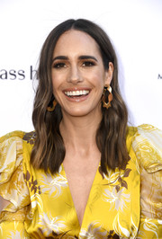 Louise Roe sported a subtly wavy hairstyle at the 2019 Fashion Los Angeles Awards.