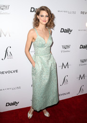 Lindsey Wixson looked alluring in a mint-green Ulyana Sergeenko jacquard corset dress at the Fashion Los Angeles Awards.