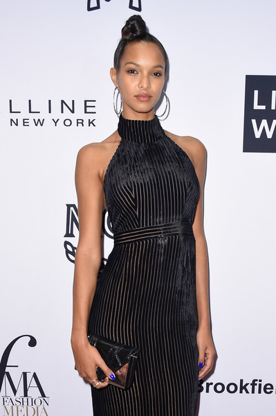 More Pics of Lais Ribeiro Hair Knot (1 of 3) - Updos Lookbook - StyleBistro