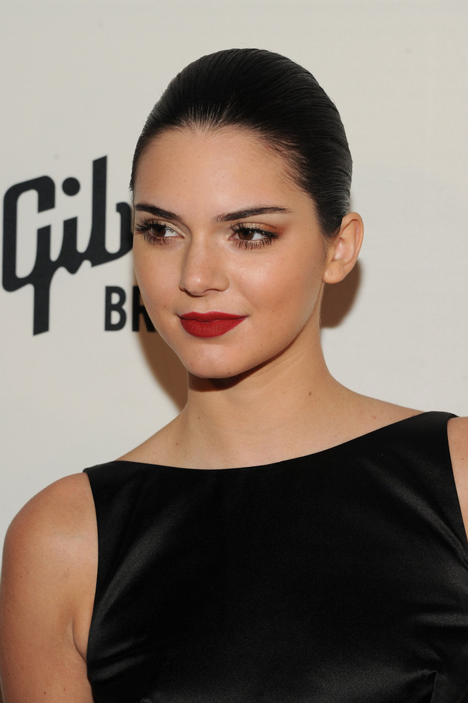 More Pics Of Kendall Jenner Red Lipstick 3 Of 13 Kendall Jenner Lookbook Stylebistro