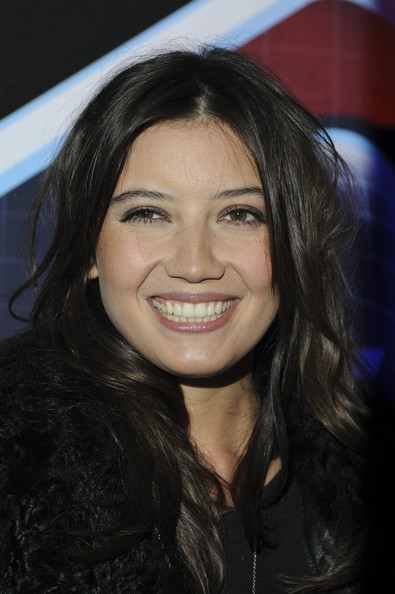 Daisy Lowe Long Wavy Cut [hair,face,hairstyle,eyebrow,chin,beauty,layered hair,black hair,smile,forehead,daisy lowe,london,england,lynx lsa,lynx l.s.a,wimbledon studios,event,launch event]