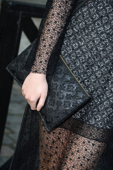 Dakota Fanning Printed Clutch