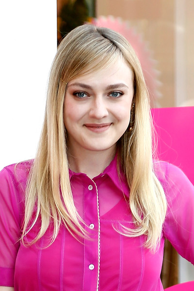 Dakota Fanning Long Straight Cut