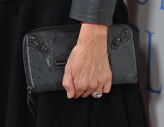 Lisa carried a zip-up black leather purse to the 'Dallas Buyers Club' premiere.