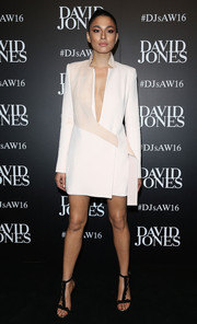 Jessica Gomes looked sharp and sexy in a plunging two-tone blazer dress at the David Jones fashion launch.