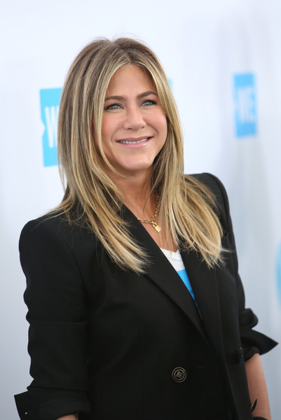 More Pics of Jennifer Aniston Skinny Jeans (1 of 5) - Jeans Lookbook - StyleBistro