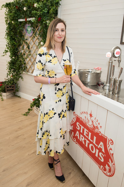 Laura Carmichael amped up the summer vibe with a pair of black ankle-wrap espadrilles.