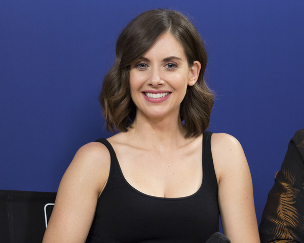 More Pics of Alison Brie Short Wavy Cut (1 of 13) - Alison Brie Lookbook - StyleBistro