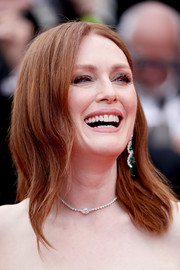Julianne Moore attended the 2019 Cannes Film Festival opening ceremony wearing a shoulder-length 'do with just the slightest wave.