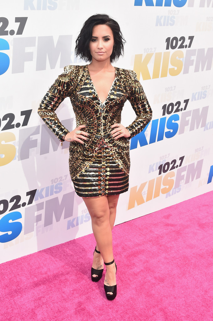demi lovato style clothes - photo #29