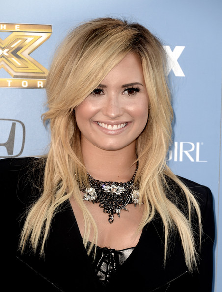 Demi Lovato Layered Chainlink Necklaces