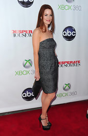 Laura Leighton wore a pair of black peep toe heels with slim ankle straps at the 'Desperate Housewives' series finale.