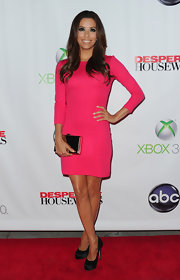 Eva Longoria paired her simple pink frock with classic black satin pumps for the 'Desperate Housewives' series finale.
