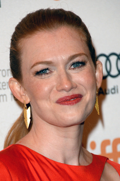 More Pics of Mireille Enos Box Clutch (2 of 15) - Mireille Enos Lookbook - StyleBistro