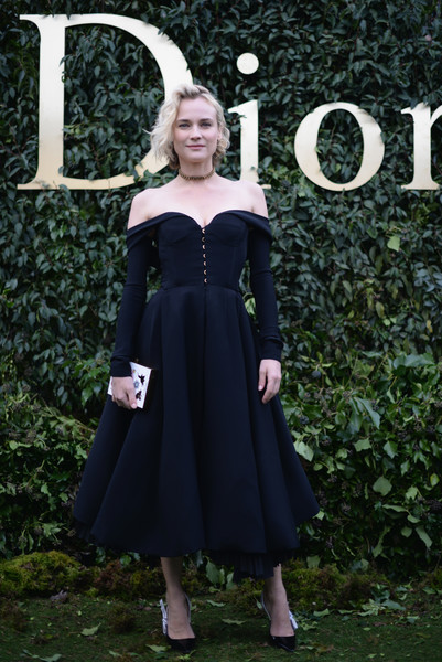 Diane Kruger Printed Clutch [haute couture spring summer,clothing,dress,lady,fashion,little black dress,formal wear,cocktail dress,day dress,bridal party dress,haute couture,christian dior : outside arrivals,diane kruger,part,christian dior haute couture spring summer 2017,musee rodin,paris,france,paris fashion week,show]