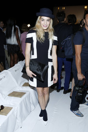 Chelsea Leyland looked mod in a black-and-white geometric-print dress at the Diane Von Furstenberg fashion show.