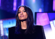 Ciara sported a simple center-parted style during Dick Clark's New Year's Rockin' Eve.
