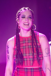 Halsey teamed her 'do with a pair of classic gold hoops.