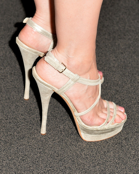 More Pics of Jessica Chastain Strappy Sandals (1 of 42) - Jessica Chastain Lookbook - StyleBistro