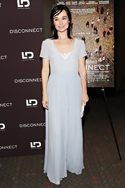 Kristen Ruhlin chose a pale blue maxi dress for her simple but chic look at the 'Disconnect' screening in NYC.