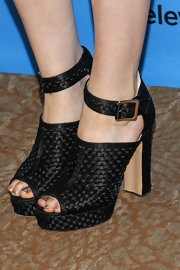 Sophie's weaved ankle booties revealed an adorable peep toe that highlighted her sparkly pedi.
