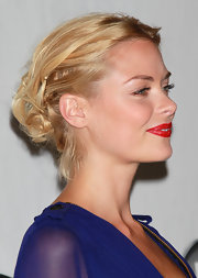 The actress wore a textured, bobby pinned updo.