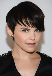 Ginnifer Goodwin finished off her embellished LBD with simple gold studs.