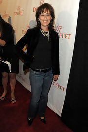 Paired with a black velvet blazer and sparkly jewelry, Jane Kaczmarek's jeans and shirt became red carpet-worthy.