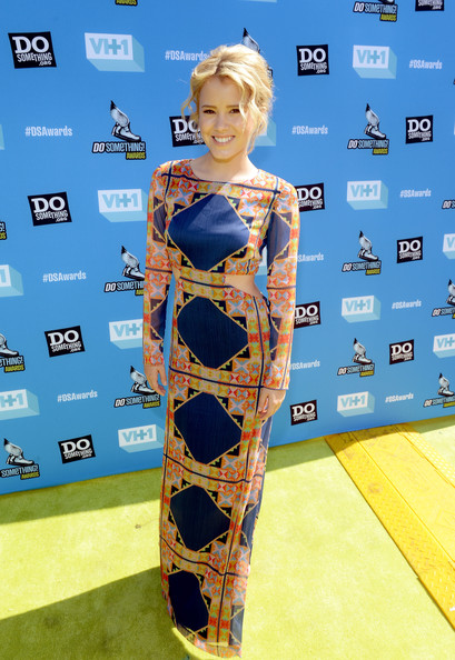 More Pics of Taylor Spreitler Print Dress (1 of 3) - Taylor Spreitler Lookbook - StyleBistro