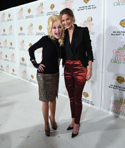 Jennifer Nettles looked sharp in a black blazer layered over a matching blouse at the 'Christmas of Many Colors: Circle of Love' press conference.
