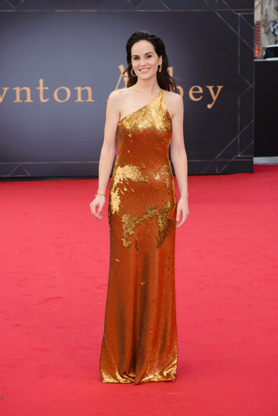 Michelle Dockery glitzed up in a gold one-shoulder gown by Galvan for the world premiere of 'Downton Abbey.'
