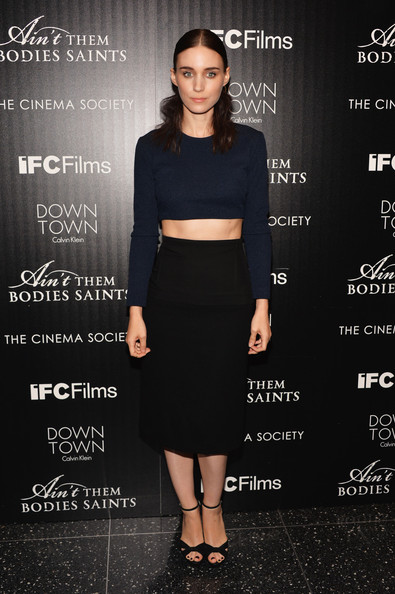 Dare to Wear a Chic Sweater Crop-Top Like Rooney Mara