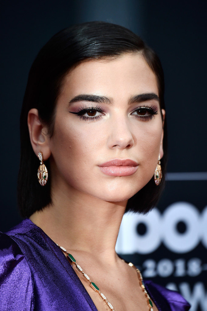 Dua Lipa Bob Short Hairstyles Lookbook Stylebistro