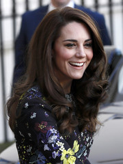Kate Middleton oozed sweetness wearing this long curly 'do while attending a Heads Together event.