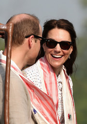 Kate Middleton kept it classic with these Ray-Ban wayfarers while touring India.